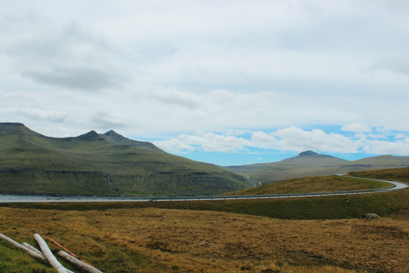 Winding, lonesome roads - the Faroe Islands is perfect for some peace and quiet