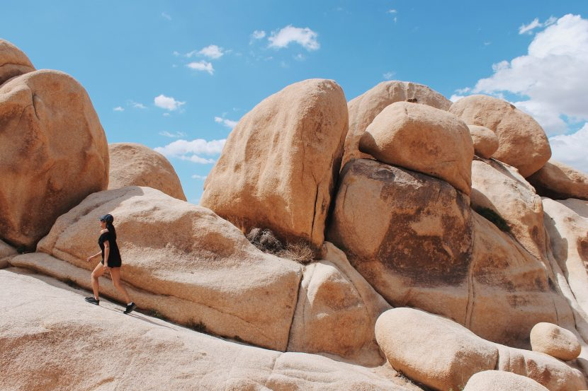 Arch Rock: Fascinated by the boulders at Joshua Tree National Park