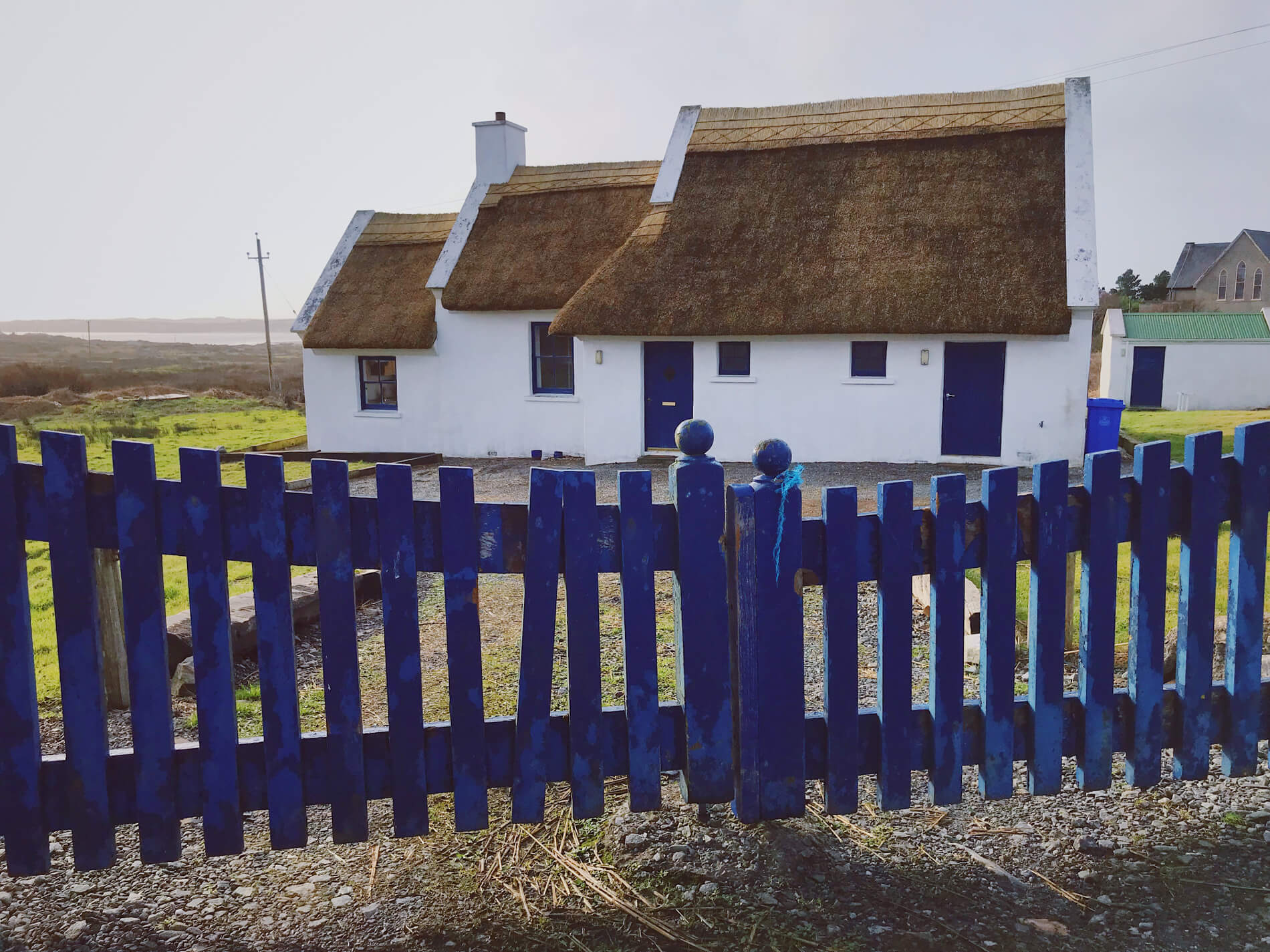 Cute cottage by the beach in Claddaghduff